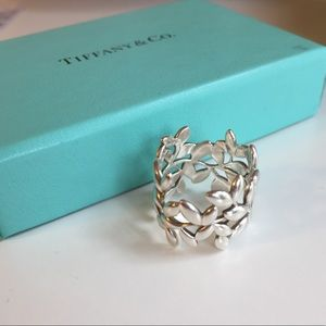 Tiffany & Co. Paloma Picasso Olive Leaf Ring